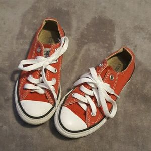 Converse unisex size 10.5 red tennis shoes
